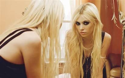 Momsen Taylor Floppe Pretty Reckless Deviantart Fanpop