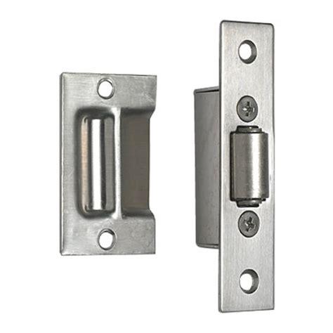 catch door hardware
