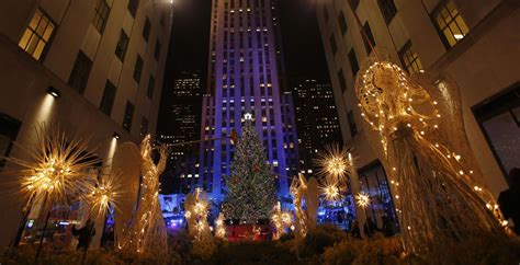 rockefeller center christmas tree lighting 2013 when and