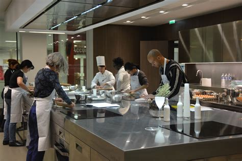 cours de cuisine gard l 39 école de cuisine ferrandi là où naît l 39 excellence de la