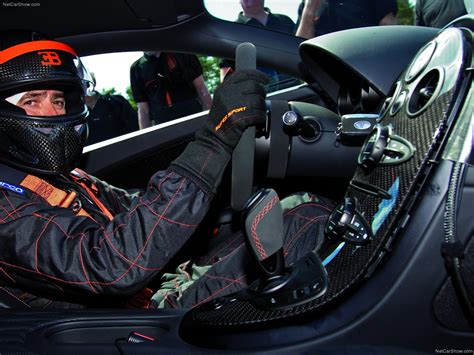 Bugatti's test driver pierre henri raphanel achieved 267.856mph at vw's own test track in a super sport. Bugatti Veyron Super Sport (2011) picture #114, 1600x1200