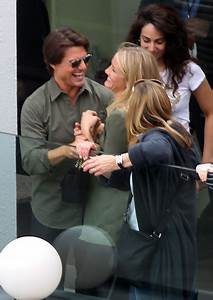 Cameron Diaz And Tom Cruise Promoting 'Knight And Day' In ...