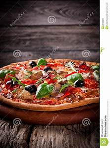 Delicious Italian Pizza Stock Photography - Image: 29759322