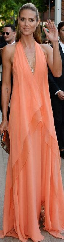 Heidi Klum Who Made Klums Peach Gown Jewelry Shoes