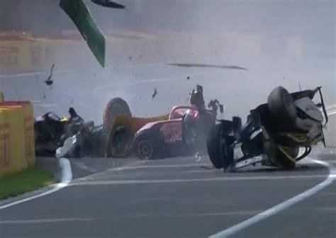 tragico accidente en la formula  murio el piloto