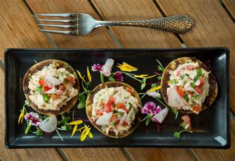 caracol mexican coastal kitchen caracol commands big stage houston chronicle 5118