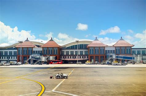 indonesian airports won awards  service quality