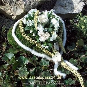 Bilder Kaufen Günstig : grabschmuck grabdekoration moosherz bepflanzt sch n und g nstig selber gestal ~ Buech-reservation.com Haus und Dekorationen