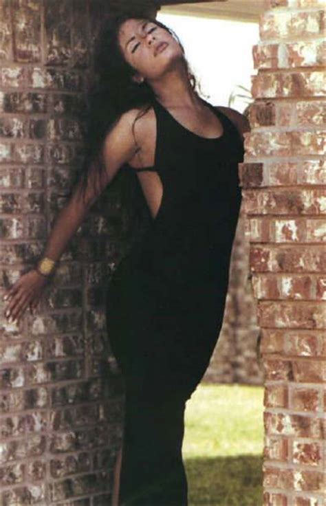 Fashion of Yesterday and Today Selena Quintanilla Perez The Latin Superstar