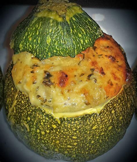cuisiner la courgette ronde la p 39 tite cuisine de val courgettes rondes farcies à la feta