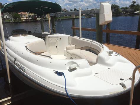 chaparral sunesta    sale   boats