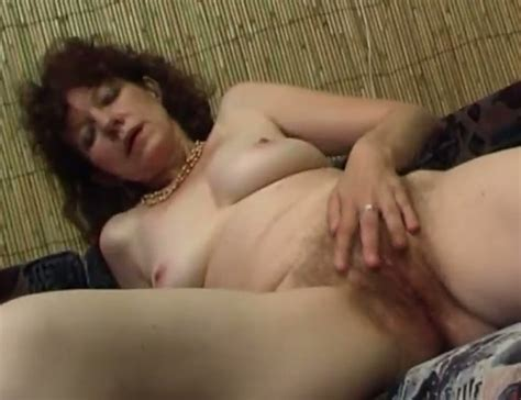 Nasty Mature Woman Gets Naked And Starts Rubbing Her Hairy