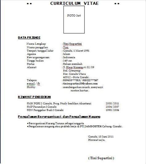 Format Resume Terkini 2014 by Contoh Format Cv Terbaru 2011 New Style For 2016 2017