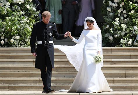 Markle Wedding Dress : Meghan Markle's Wedding Dress Designed By Givenchy