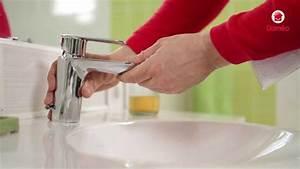 Changer Un Robinet De Lavabo : changer un robinet youtube ~ Melissatoandfro.com Idées de Décoration
