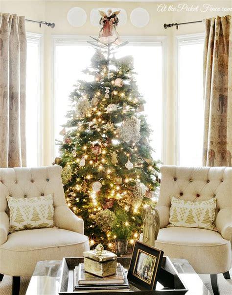 christmas window ideas for bay window best 25 bay window decor ideas on living room with bay window bay windows and
