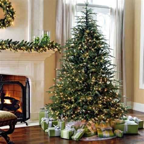 tips  installing lights   christmas tree