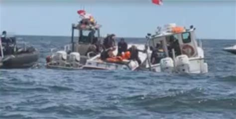 Fishing Boat Accident Nj by 1 Dead 1 Critically Injured In Racing Boat Accident