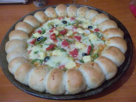 pizza avec fromage dans la pate pizza 224 la cro 251 te de fromage recettes d 233 lices