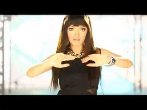 Zaskia Gotik Hot Youtube