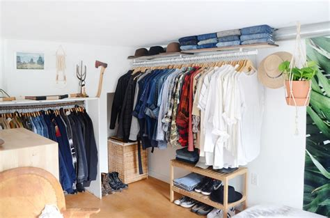 Apartment Therapy Closet by 20 Ideas For Organizing Your Bedroom Closet Apartment