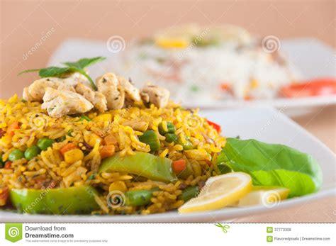 cuisine indienne v馮騁arienne cuisine indienne riz avec de la viande de poulet photo