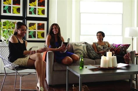 tips for decorating your college apartmentcort furniture