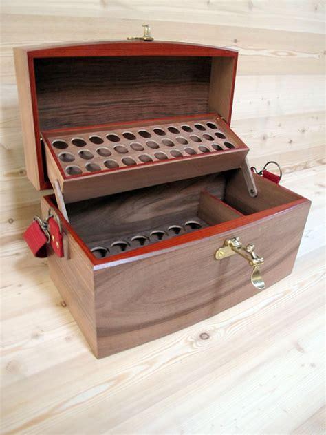 coffret valise en noyer pour le rangement et le classement des huiles essentielles bo 238 tes