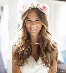 Couronne Fleur Cheveux Mariage : coiffure mariage cheveux longs fleurs ~ Melissatoandfro.com Idées de Décoration