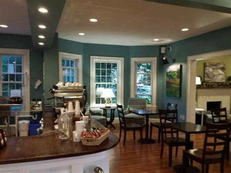Sounds include smooth jazz, rain sounds, soft chatter. great ambiance - Picture of Sweet Donkey Coffee, Roanoke - Tripadvisor