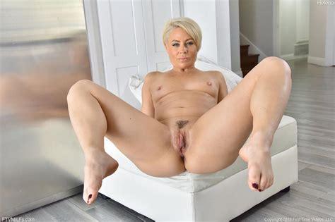 Helena Locke Milf With A Fine Ass