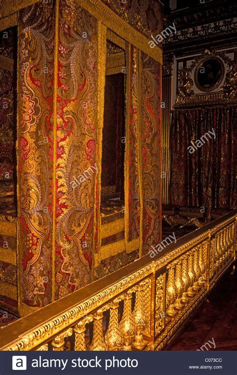 chambre du roi versailles silk thread brocade bedchamber chambre du roi