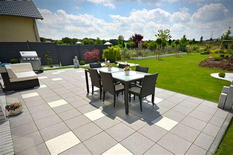 Garten Und Terrasse garten terrassen als wohlf 252 hl oase goetzmoriz