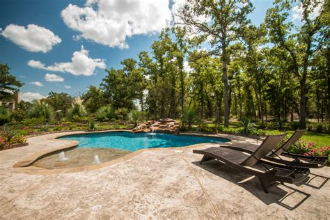 custom pool designs creating   backyard oasis