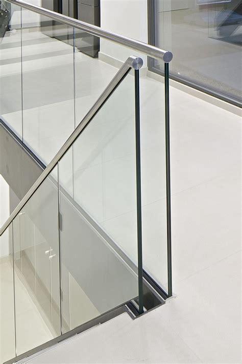 treppengeländer glas innen das perfekte treppengel 228 nder f 252 r innen tipps stadler