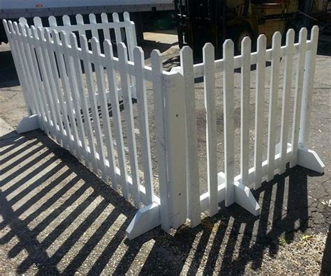 Portable Backyard Fence by Portable Free Standing Picket Fence Ranch Exhibit Ideas