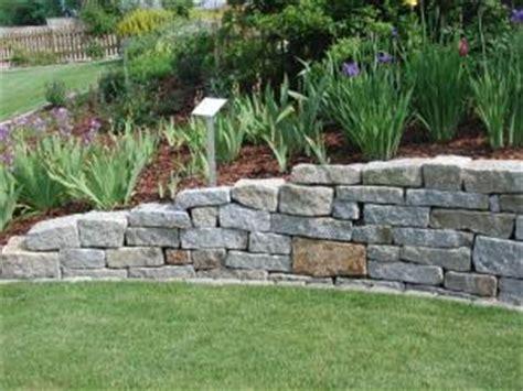 natursteinmauer gartengestaltung zangl