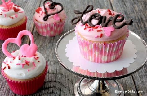 chocolate valentine cupcake toppers fun family crafts
