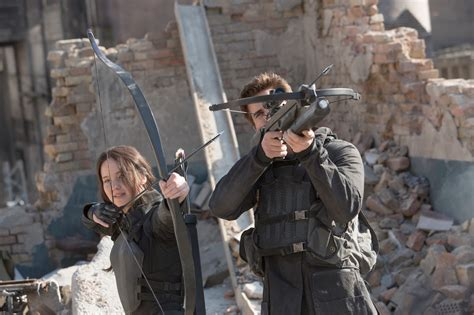 jennyfer siege check out hq stills from the hunger mockingjay