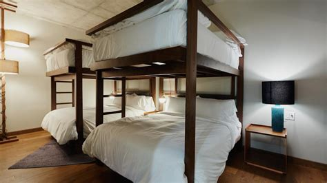 bunk beds rooms to go the new hotel perk luxe bunk beds 18394 | 120215lunchbunkbed 1280x720