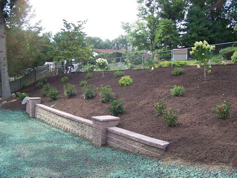 backyard hillside landscaping landscaping a hillside backyard 28 images backyard hillside gogo papa
