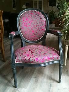 Peinture Pour Tissu Canapé : les 25 meilleures id es de la cat gorie fauteuil ancien ~ Premium-room.com Idées de Décoration