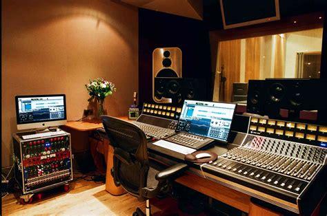 Recording Studio Control Room   Multitrack Studio With ...