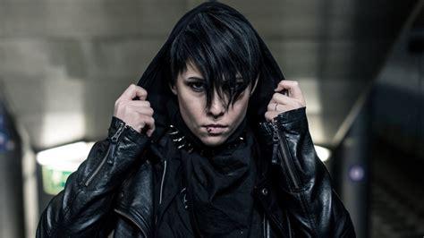 evil dead remake director fede alvarez set  direct girl