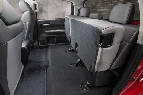 what does recline reclining rear seats ventilated and reclining rear seats