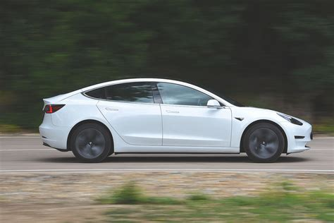 Get When Is Tesla 3 Available Images