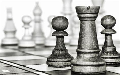 10 cm / 3,6 cm 3. Gambar Pion Catur Hitam Putih : King And Pawn Armeyn Com - seized-nostalgia
