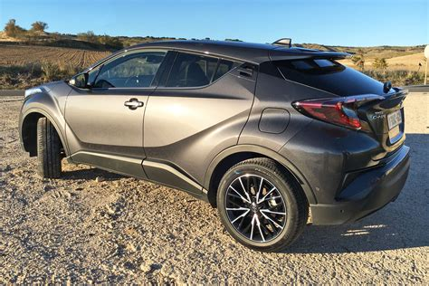 Toyota Chr Hybrid Picture by 2017 Toyota C Hr Review A Trendy Crossover From An