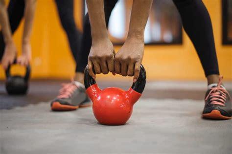 kettlebell body swings work leg does soccer part sportivi campana caldera centri workout exercises holding dpcm principali misure aperti marzo