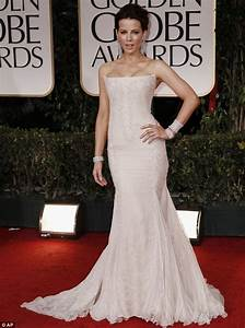 Golden Globes 2012: Charlize Theron and Elle Macpherson